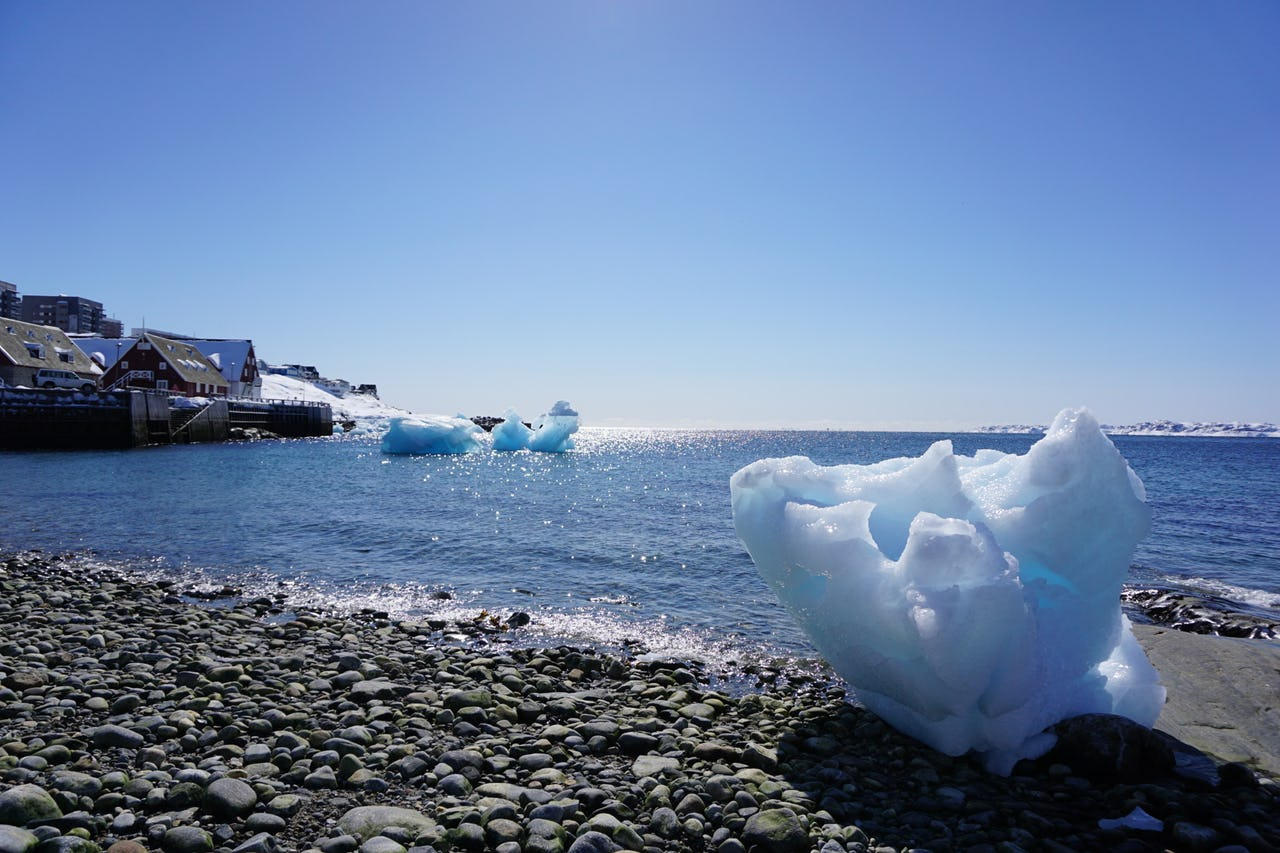 Ice and sea in Nuuk's harbour
