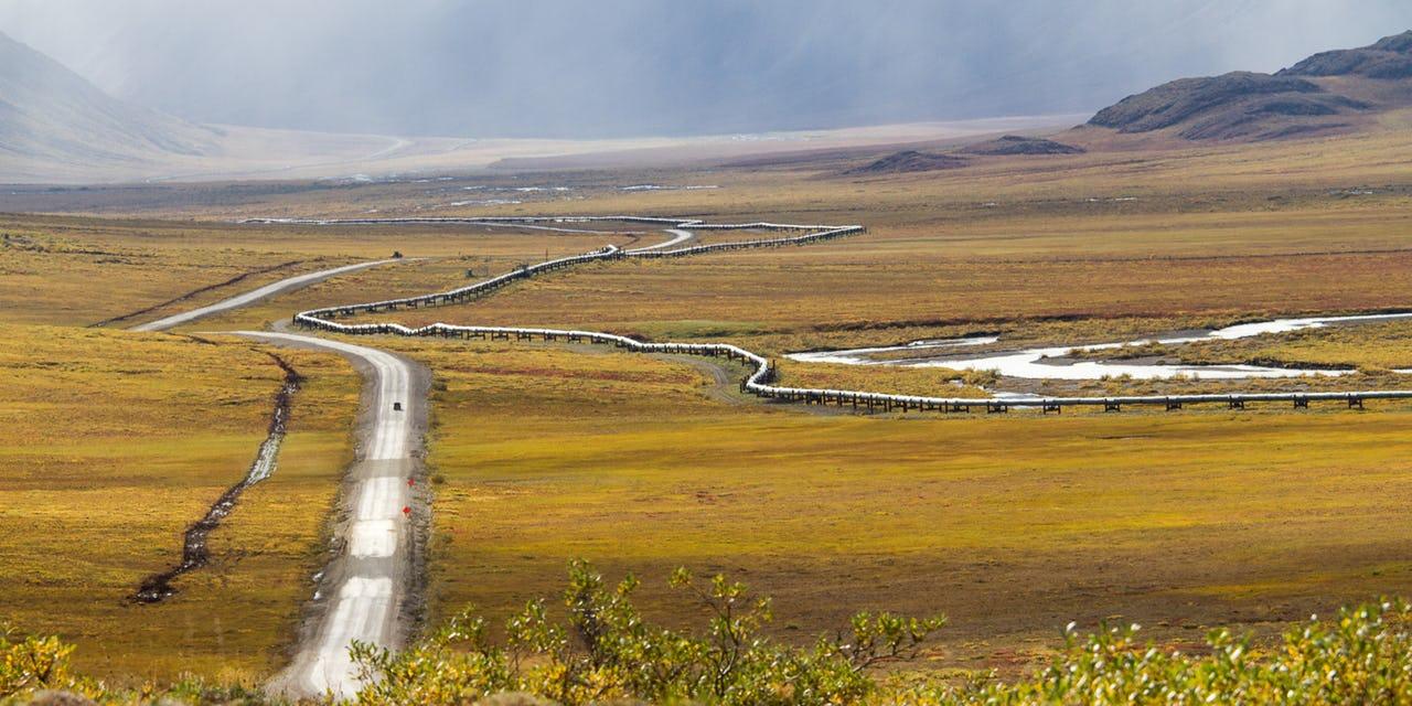 Dalton-Highway_Alaska-Pipeline